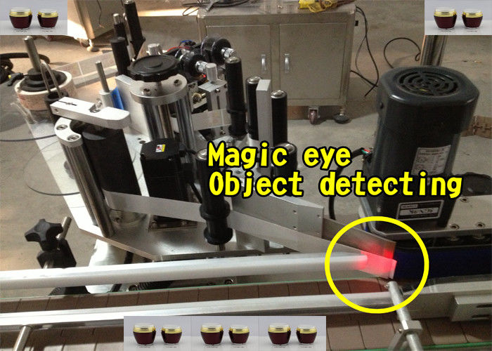 Automatyczny aplikator etykiet do butelek miodu