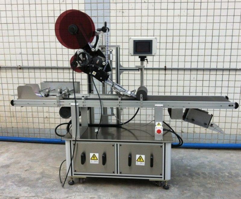 Chiny Górna maszyna do etykietowania masek / nierozproszonych kartonów / toreb papierowych, dostawca aplikatorów etykiet o płaskiej powierzchni